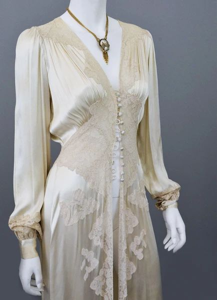 vintage silk and lace robe deco negligee robe from VintageVirtuosa - Shopify Website Builder - Build the Shopify Ecommerce site within 30 minutes. - vintage silk and lace robe deco negligee robe from VintageVirtuosa Vestidos Vintage, Vintage Dresses, Vintage Outfits, 1930s Fashion, Vintage Fashion, Vintage Inspired Clothing, Edwardian Fashion, Gothic Fashion, Vintage Clothing