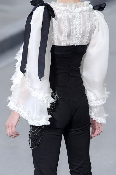 Chanel at Paris Fashion Week Spring 2009 - Livingly