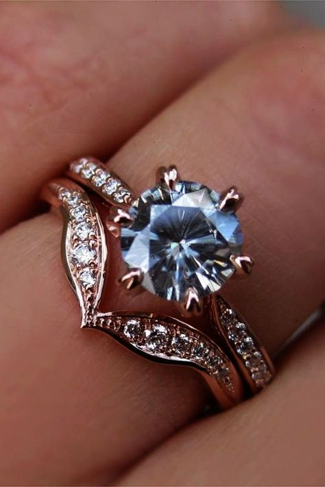 Wedding ring sets become more and more popular among couples. Bridal sets designed to fit together they can have different colors that makes contrast. #antiqueengagementrings