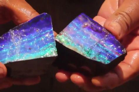 Cracking open an opal 🔥 - Frauen lieben Schmuck :)