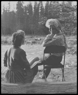 1953 / Sur le tournage dune scène qui sera finalement