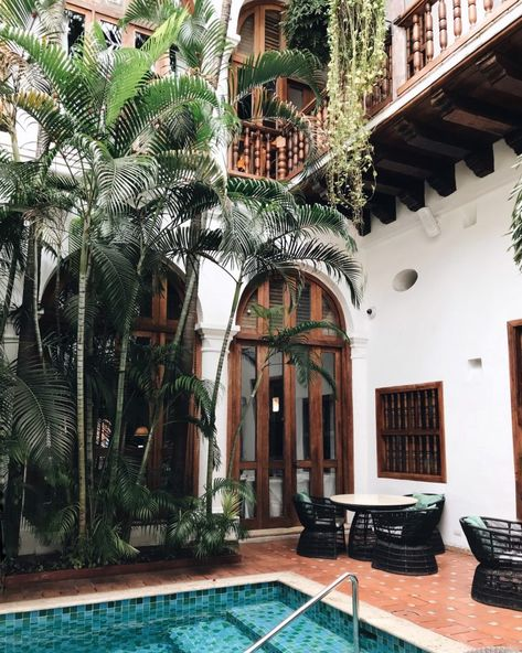 hotel playa Why You Need to Visit Cartagena, Colombia Now Spanish Style Homes, Spanish House, Spanish Revival, Colonial Architecture, Architecture Design, Future House, My House, Living Pool, Indochine