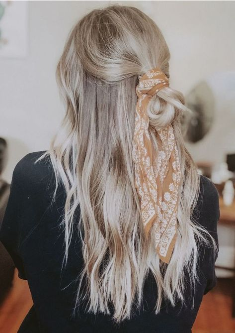 Are you looking for best hair colors to apply for long hair? Just see here, we have made a collection of fantastic long balayage colored hairstyles Long Face Hairstyles, Scarf Hairstyles, Casual Hairstyles For Long Hair, Hairstyle Ideas, Updo Hairstyle, Party Hairstyle, Elegant Hairstyles, Pretty Hairstyles, Natural Curly Hair
