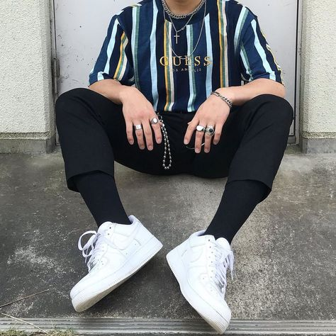 Outfit Ideas Discover 10 Best Casual Shirts For Men That Look Great! Stylish Mens Outfits, Edgy Outfits, Mode Outfits, Retro Outfits, Vintage Outfits, Fashion Outfits, Teen Guy Fashion, Edgy Mens Fashion, Vintage Fashion Men
