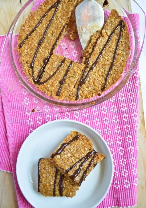 peanut butter flapjacks - made with coconut oil and honey. chewy, sweet and rich!