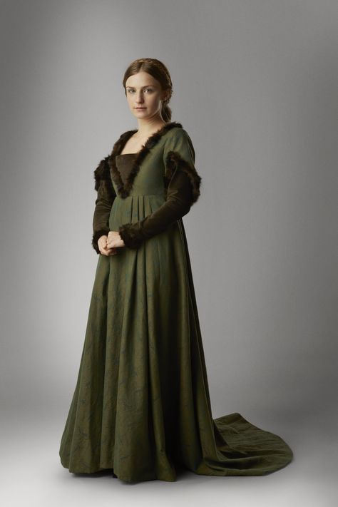 """Faye Marsay as Anne Neville in """"The White Queen"""" (TV Series, 2013). Series costume design by Nic Ede."""
