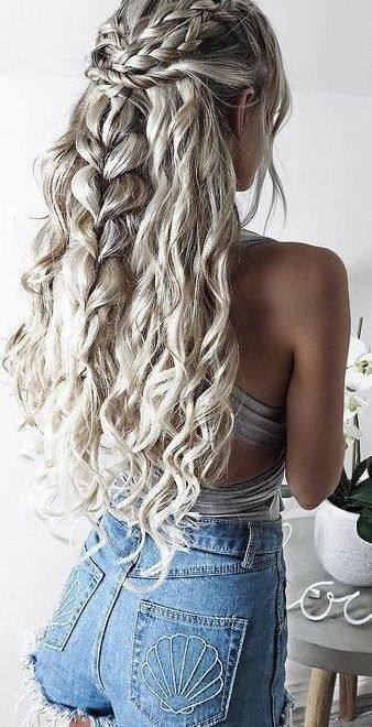 I Love Braids On Top And The One Down The Middle Hair Styles Grey Curly Hair Festival Hair Braids