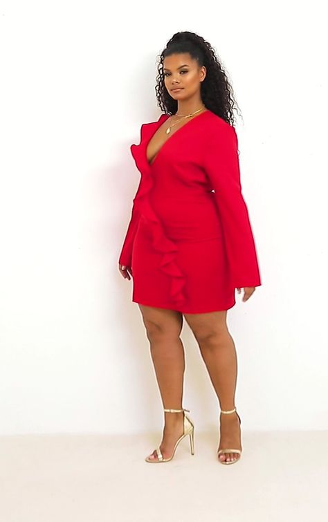 Feel fiercely feminine in this tea dress doll, featuring a red colour with a frill drape front detail and plunging neckline. We love this teamed with strappy heels and a pendant for the ultimate date night look.