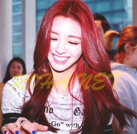 Berita Terbaru Berita Populer Berita Olahraga Berita Viral Berita Dunia Foto Predebut Yuna Itzy Beredar Lagi Buat Netter Selebritas Gadis Korea Rambut