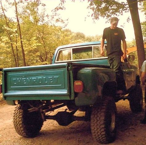 jacked up CHEVY 4x4 -- my favorite.