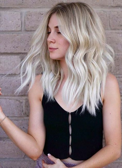 Natural Looks of Blonde Hair Colors and Hairstyles for 2019