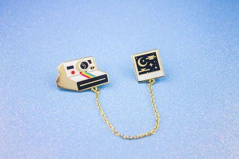 Sweet Dreams Polaroid Collar Pins // Hard Enamel Lapel Pins with Chain Polaroid, Backpack Decoration, Collar Chain, Bag Pins, Jacket Pins, Smartphone, Cool Pins, Hard Enamel Pin, Metal Pins