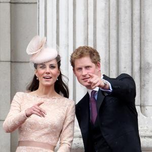 Kate Middleton Y El Príncipe Enrique Más Que Cuñados Amigos Kate Middleton Princesas Principe Guillermo