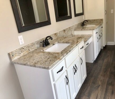 Crowe Custom Countertops In Atlanta Ga Has The Knowledge And Experience To Help You Achi In 2020 Granite Countertops Custom Countertops Affordable Granite Countertops