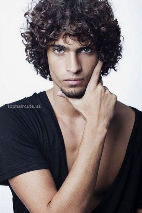 2017 Latest Curly Hairstyles for Men…  2017 Latest Curly Hairstyles for Men  http://www.tophaircuts.us/2017/05/17/2017-latest-curly-hairstyles-for-men/