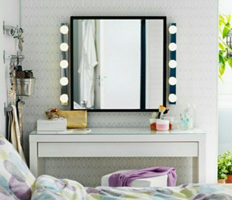 IKEA sminkbord. Spegel.