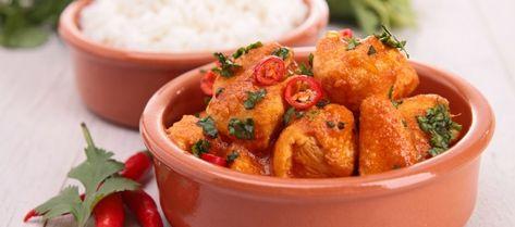 Deze heerlijke Thaise kokos curry kip is snel en gemakkelijk te maken omdat het citroengras is vervangen door limoensap.  Laat je niet afschrikken door de...