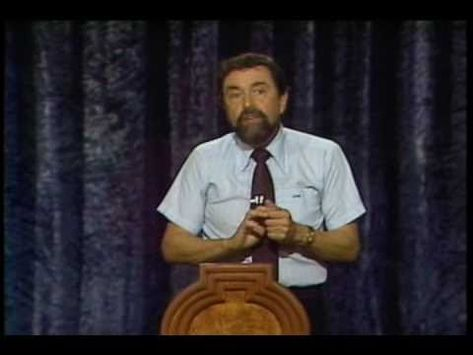 Top quotes by Leo Buscaglia-https://s-media-cache-ak0.pinimg.com/474x/e6/2f/78/e62f782548c729754f0d45cfc58deba0.jpg