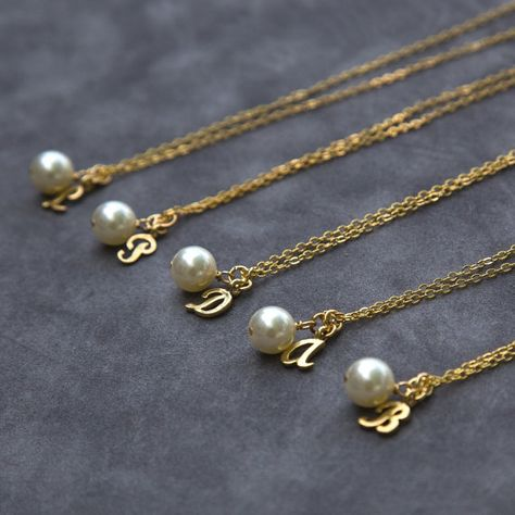 Gold Bridesmaid Necklace Gift Set of 7, Pearl Initial Necklace, Custom Letter Jewelry, Personalized Bridesmaid Necklace