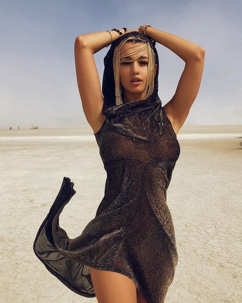 Check out the best celeb beauty looks at this year's Burning Man inside