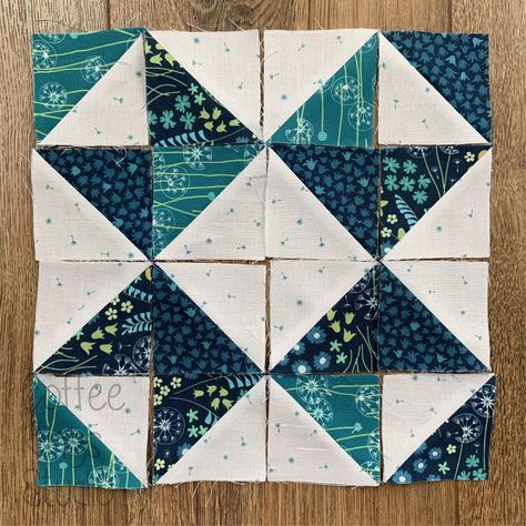 Half Square Triangle Quilts Pattern, Quilt Square Patterns, Half Square Triangles, Pattern Blocks, Square Quilt, Easy Quilt Patterns, Star Quilt Blocks, Star Quilts, Scrappy Quilts