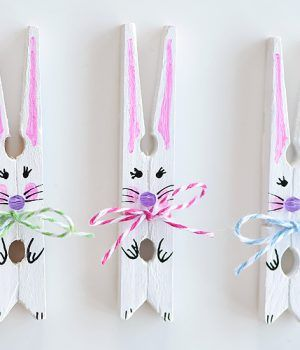 These clothespin bunnies are so adorable and they're really simple to make! They're a great little Easter decoration and a super cute Easter craft to make with the kids. This is a fun and easy spring craft idea! Easter Crafts To Make, Soda Can Crafts, Bunny Crafts, Crafts To Do, Diy Crafts, Spring Crafts, Holiday Crafts, Holiday Ideas, Science Projects For Preschoolers