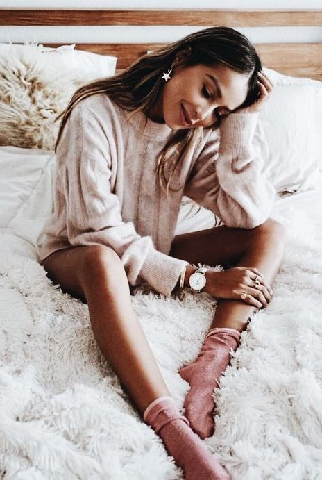 30 Cozy Outfits Ideas For Lazy Days Lounge Wear Photography Poses Women Photo