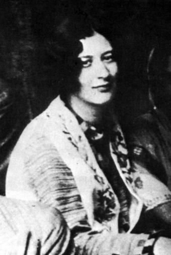Top quotes by Simone Weil-https://s-media-cache-ak0.pinimg.com/474x/e6/69/2d/e6692d4368b0b8a7beb6dae90a266001.jpg