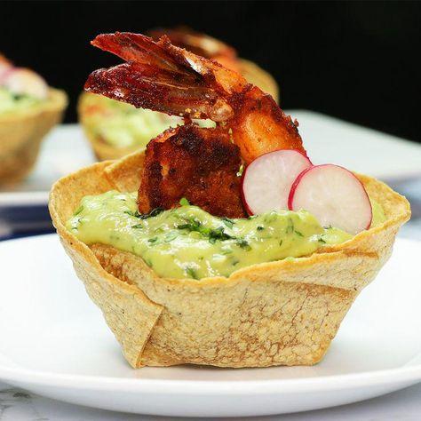 Aguacate + Camarones = Perfección. ¡Checa estas copitas con guaca-mayo, serán tus nuevas favs! #sponsored
