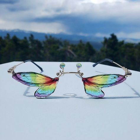 Funky Glasses, Cool Glasses, Cute Sunglasses, Mirrored Sunglasses, Sunnies, Rainbow Warrior, Conceptual Fashion, Fashion Eye Glasses, Piercings