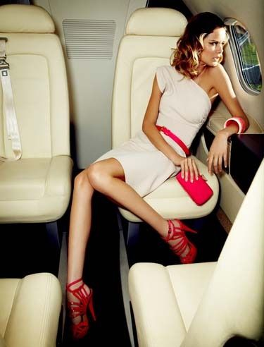 Stand out onboard in this stylish jet set look.