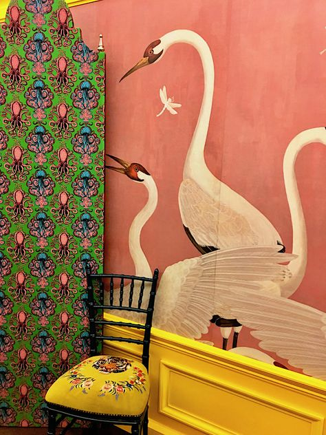 984176b42 Gucci Décor Heron wallpaper