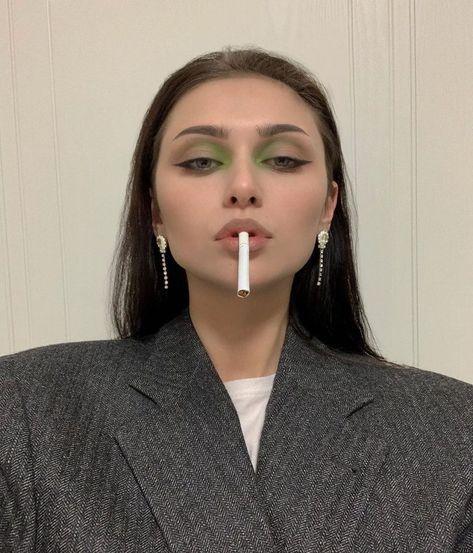 Makeup Revolution Eyeshadow, Makeup Geek, Makeup Kit, Makeup Inspo, Eyeshadow Makeup, Makeup Inspiration, Beauty Makeup, Eyeshadow Palette, Makeup Eyes
