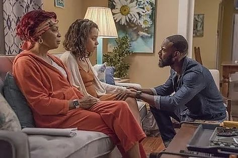 #QueenSugar.  Aunt Violet Is All The Mother That Darla Needs. Her Biological Mother Is A Hot Mess And Shouldn't Be Called Mother At All.…
