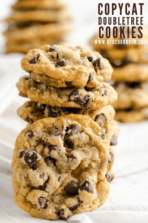 Deliciously warm and comforting chewy chocolate chip copycat cookies that remind you of the welcoming cookies given at the DoubleTree Hotels. #chocolatechipcookies #cookies #chocolatechip #doubletree #copycat #hotelcookies #chocolate #chewy #bakefromscratch #dessert #baking
