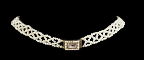 Seed pearly choker, ca. 1820. Collection of Dr. and Mrs. David Skier. #lookoflove #eyeminiatures #loverseye