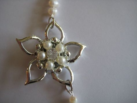 repurposed vintage brooch into fresh water pearl necklace