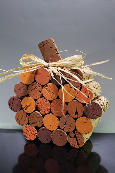 Halloween Crafts – wine cork trick 'r treat toys Wine Cork Wreath, Wine Cork Ornaments, Wine Cork Art, Wine Craft, Wine Cork Crafts, Wine Bottle Crafts, Christmas Wine Bottle Craft, Fall Wine Bottles, Wooden Crafts