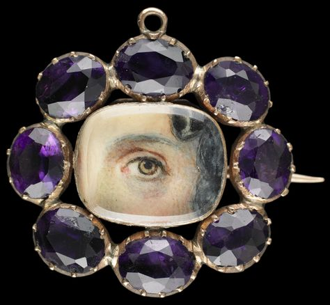 Gold brooch and pendant with faceted amethyst border. Collection of Dr. and Mrs. David Skier. #lookoflove #eyeminiatures #loverseye