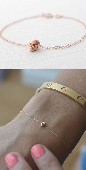 Tendance Bracelets – Tiny Skull Bracelet ♥… Tendance & idée Bracelets 2016/2017 Description Tiny Skull Bracelet ♥