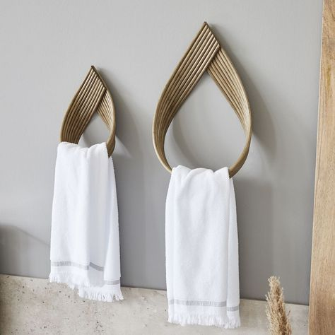 Our Rattan Towel Hooks are from Denmark's House Doctor a stylish design piece. House Doctor, Scandinavian Furniture, Scandinavian Design, Bath Towel Sets, Bath Towels, Denmark House, Bathroom Towel Hooks, Zen Bathroom Decor, Beach House Decor
