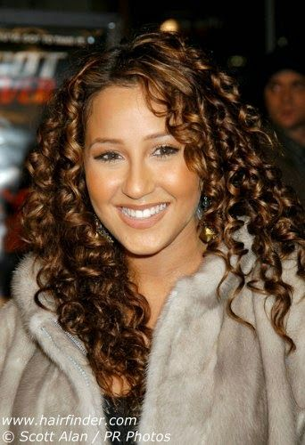 Adrienne Bailon Hairstyles In 2019 Cute Curly Hairstyles