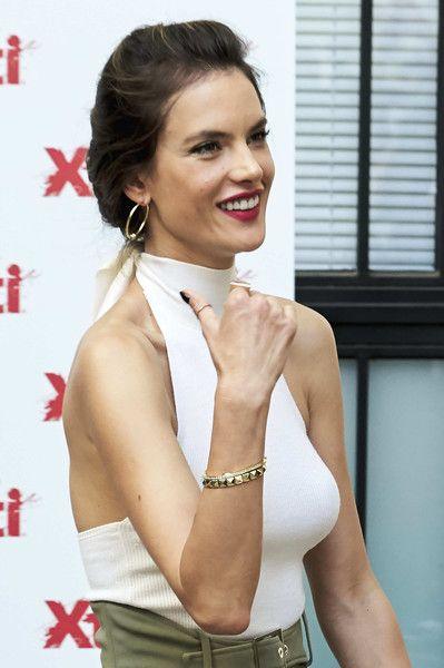 Alessandra Ambrosio Bangle Bracelet In 2020 Alessandra Ambrosio