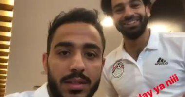 كهربا يهنئ محمد صلاح بعيد ميلاده على طريقته الخاصة أخبار الرياضة Coat Jackets Fashion