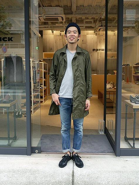 VネックTシャツ人気おすすめブランド~秋冬の着こなしコーデ5選
