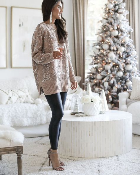 Christmas Party Outfits, Holiday Party Outfit, Christmas Fashion, Classy Christmas, Christmas Outfits For Women, Winter Christmas, Winter Fashion, Xmas, Christmas Tree