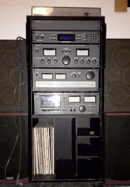 Wega Sony Hifi Stereoturm Von 1979 Laaaange Gespart Und Dann Endlich Stand Er In Meinem Zimmer Hifi 70er Jahre Sony