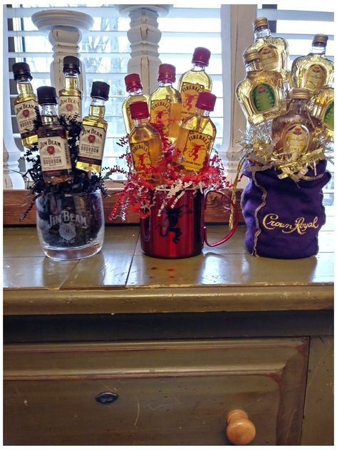 Alcohol Gifts For Men, Alcohol Gift Baskets, Liquor Gift Baskets, Diy Gift Baskets, Raffle Baskets, Fundraiser Baskets, Gift Basket Ideas, Diy Christmas Gifts, Valentine Gifts