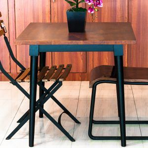 Meja Makan Santai Yang Indah Dan Sederhana Ini Akan Menjadi
