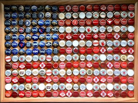 American Flag Bottle Cap Art...would be really cute inside a wooden serving tray to use out on a patio for 4th of July, Memorial Day, barbeques, etc. Great way to recycle the bottlecaps after drinking some beer... :)